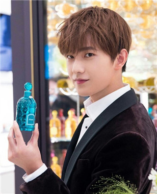 杨洋上海兴业太古汇Guerlain法国娇兰精品香水店开幕活动